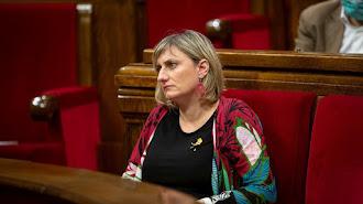 La consellera de Sanidad, Alba Vergés, en su escaño en el Parlament de Catalunya