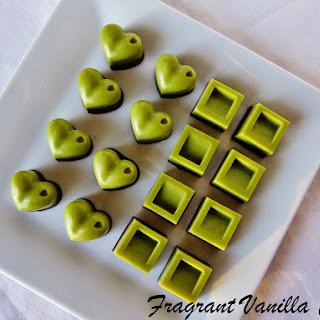 Raw Vanilla Mint Chocolates