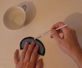 Photo: Припуск смачиваю водой, затягивается легче и точнее.