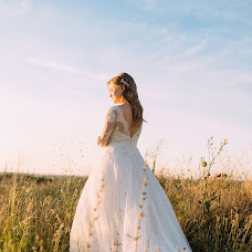 Wedding photographer Vasilisa Ryzhikova (Vasilisared22). Photo of 08.08.2018