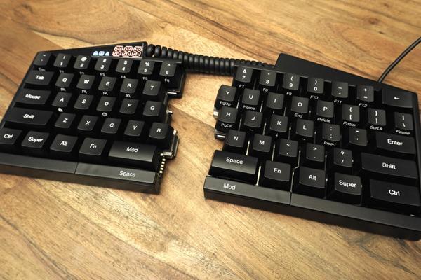 Дайджест: половинки клавиатуры, автоматический автомобиль Baidu, обновление  Microsoft Band 2 | Фантекс