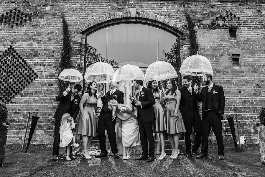Wedding photographer Darren Gair (darrengair). Photo of 02.05.2017