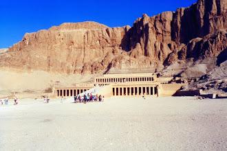 Photo: #017-Le temple d'Hatshepsout dans la Vallée des Reines
