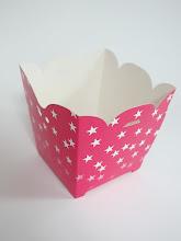 Photo: Caixa (8) decorativa com recortes nas bordas - Para doces de festas e outras utilidades.