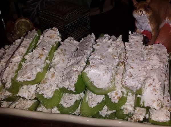 Super Easy Stuffed Celery