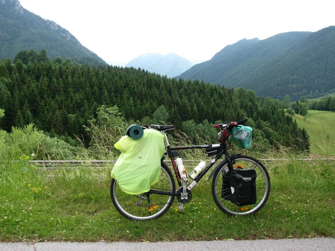 45-days-nomadic-biking-img03-gearing-up