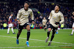 Manchester United sluit jaar af met zuinige zege tegen ex-club Defour