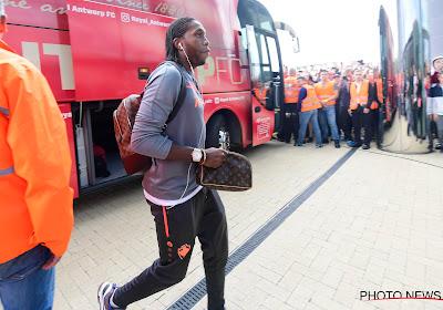 """""""Hij is als een zoon voor me"""", """"Als een grote broer"""" & """"Ik hoop dat hij nog een jaartje blijft"""": Niemand ziet Mbokani graag vertrekken bij Antwerp"""