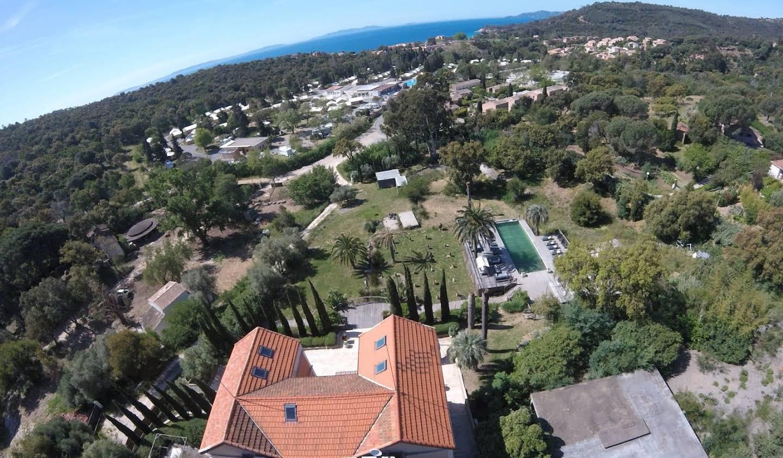 Villa avec piscine et terrasse Le Lavandou
