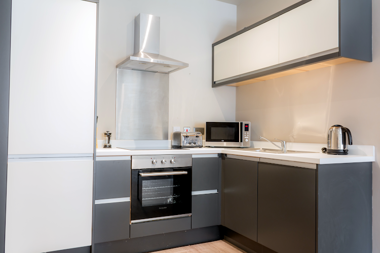 Fully equipped kitchen at Water Street