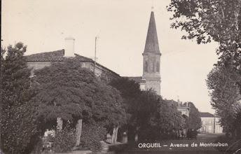 Photo: Orgueil (82) - la grande rue du village à la fin des années 40. Carte postée en 1951 à destination de la famille Squillario à Turin (Italie)
