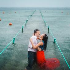 Wedding photographer Aleksey Puzikov (LaZpuZ). Photo of 06.04.2016