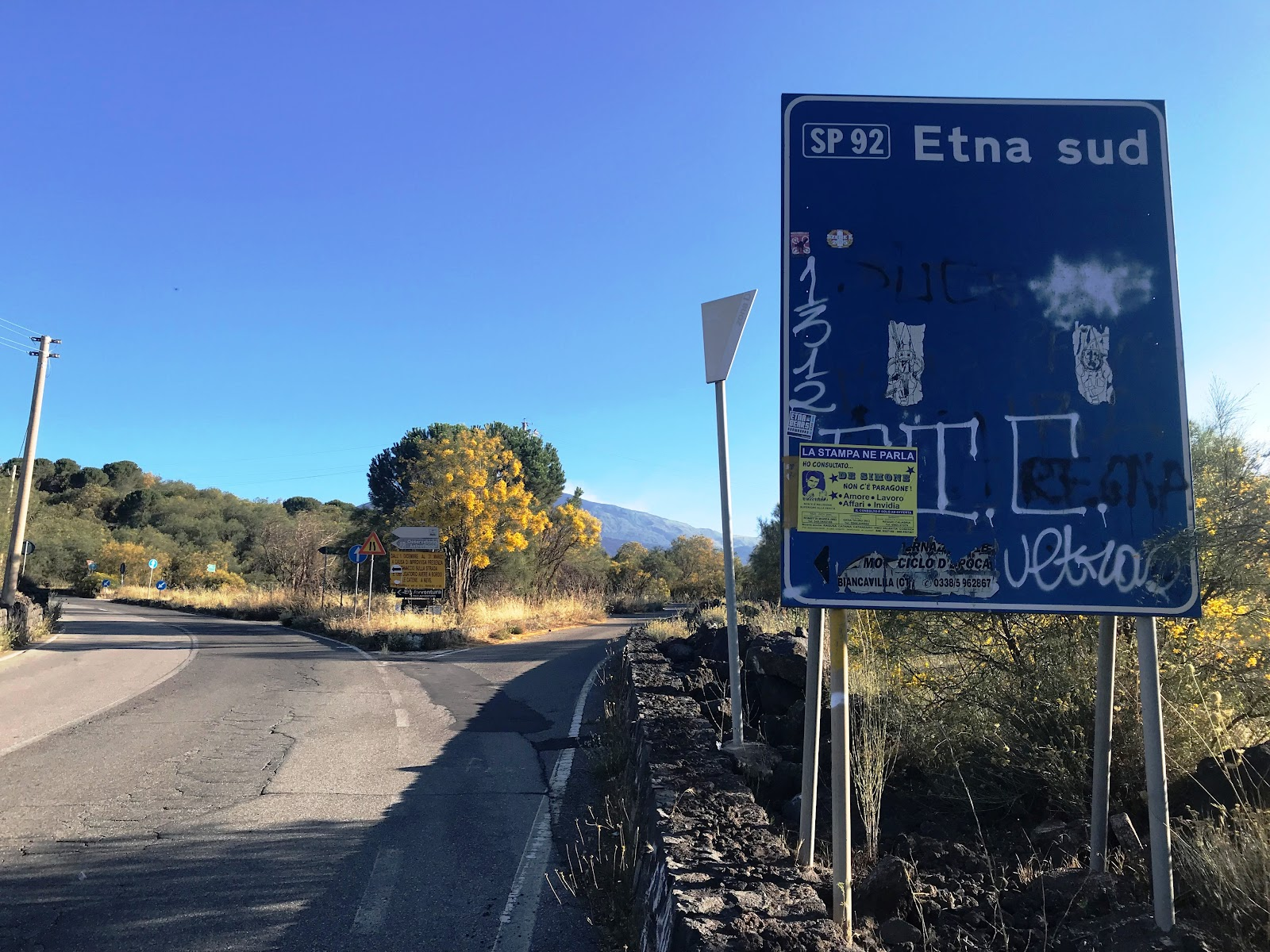 Road bike to Mount Etna - sign to SP 92