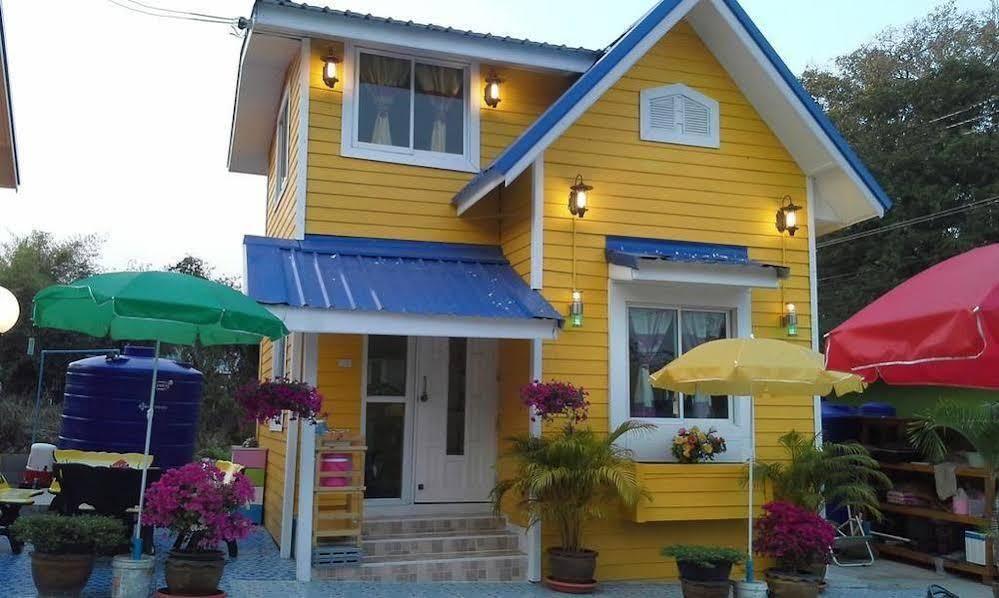 Buachompoo Resort Koh Sichang