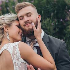 Wedding photographer Mikhail Batenev (mikebatenev). Photo of 14.03.2018