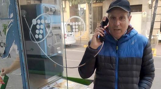 Telefónica retira las últimas cabinas de Almería aunque deberá conservar algunas
