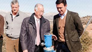 Gabriel Amat y Javier Aureliano García durante la visita a una obra de Diputación.