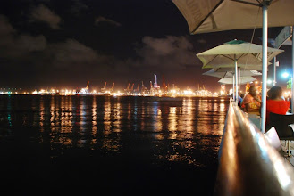 Photo: Der Hafen von Durban by night