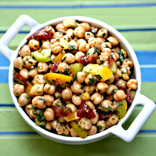 Recipe for Garbanzo Bean Salad with red curry and tomatoes