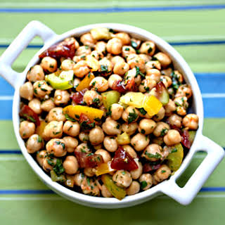 Recipe for Garbanzo Bean Salad with red curry and tomatoes.