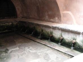 Photo: Cefalu antiikinaikainen pesupaikka.