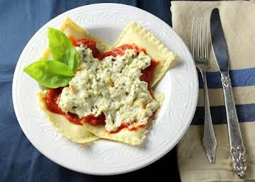 Cheese Ravioli with Tomato/Cream Sauce