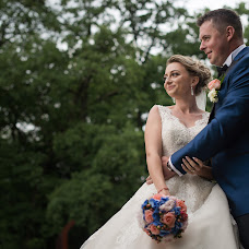 Wedding photographer Claudiu ciprian Calina (ciprian90). Photo of 19.06.2017