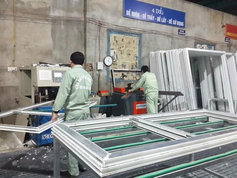 quy trình sản xuất cửa kính cường lực