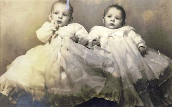 Photo: Mellizos, hijos de Antonio.