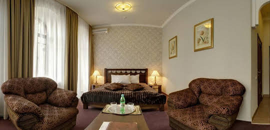 Four Rooms Hotel
