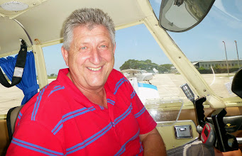 Photo: Captain Jens (N6395J is his plane which he kindly lent us during our holiday)