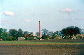 Photo: De fabriekspijp was in wijde omtrek te zien Zicht vanaf triepiesveen.
