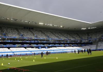 Les Diables s'entraînent sous la pluie à Bordeaux (Photos)