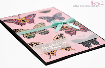 Photo: http://bettys-crafts.blogspot.com/2014/02/schmetterlinge-im-bauch.html