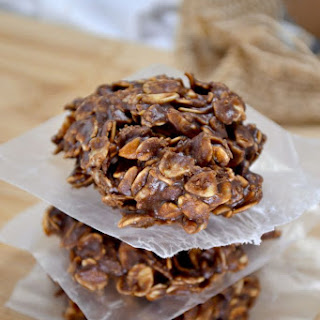 Healthy Chocolate Peanutbutter No Bake Cookies.