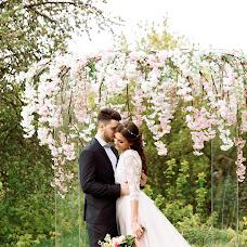 Wedding photographer Tonya Dokuchaeva (antoninadok). Photo of 02.10.2017