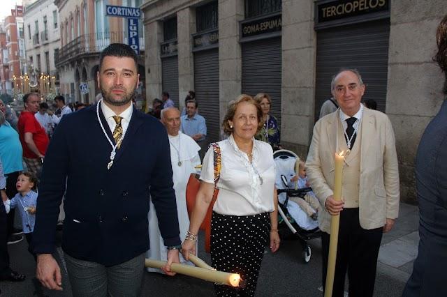 Los pregoneros de la Archicofradía en el desfile procesional.