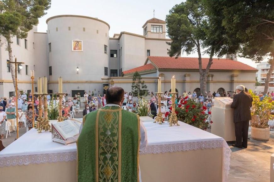Don Ramón Garrido, oficiando su última misa en Aguadulce el pasado fin de semana.