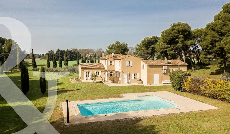 House with pool Maussane-les-Alpilles
