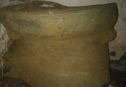 Thành Nhà Hồ, phát hiện thêm trống đồng cổ 2