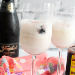Champagne Ice Cream Floats.