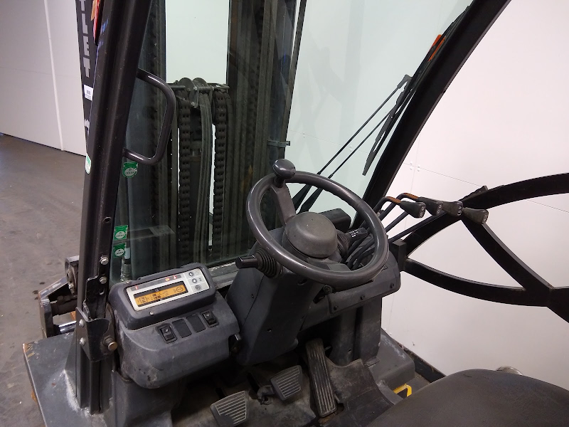 Picture of a NISSAN YG1D2A30T