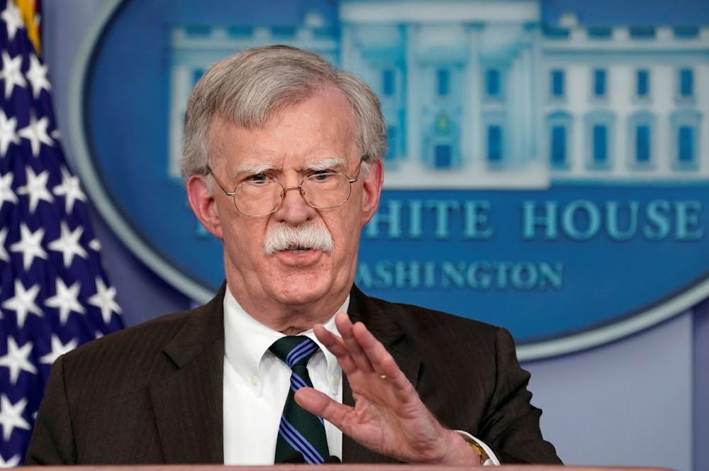 Trump gee aan die valk John Bolton sy opmars opdragte