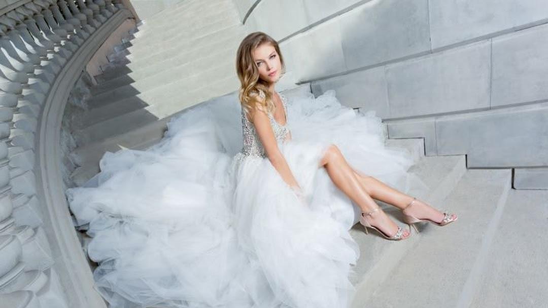 eef4a93c2b9 Nordstrom Wedding Suite - Wedding Dresses in Aventura