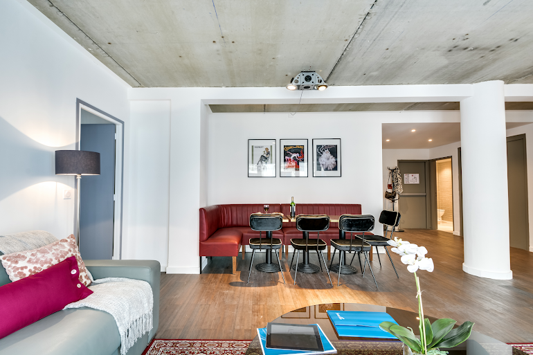Bright living area at Milan III Serviced Apartment, Opera