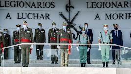 Palco de autoridades con la presidencia del JEME Javier Varela (Foto: BRILEG)