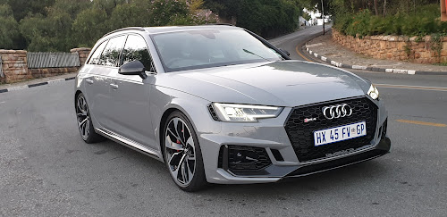 Review 2019 Audi Rs4 Avant Is A Family Wagon With A Rebel Soul