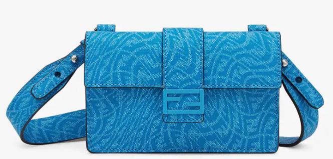 6. กระเป๋าสะพายข้าง:: FENDI รุ่น Baguette POUCH 02