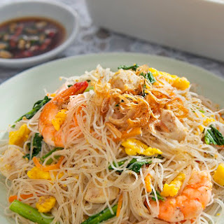 Singapore Style Fried Rice Vermicelli.