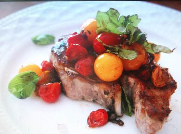 Janet's Pork Chops With Fresh Tomatoes Recipe